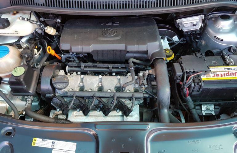 Volkswagen Fox 1.0 8V (Flex) 4p - Foto #4