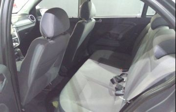 Volkswagen Voyage 1.0 MPI (Flex) - Foto #10