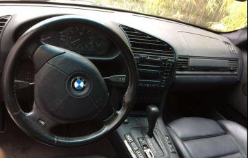 BMW 323i 2.5 24V Confort - Foto #4