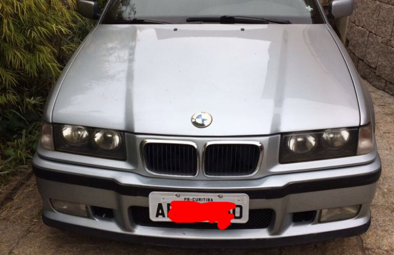 BMW 323i 2.5 24V Confort - Foto #8
