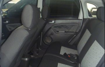 Ford Fiesta Hatch 1.0 (Flex) - Foto #8