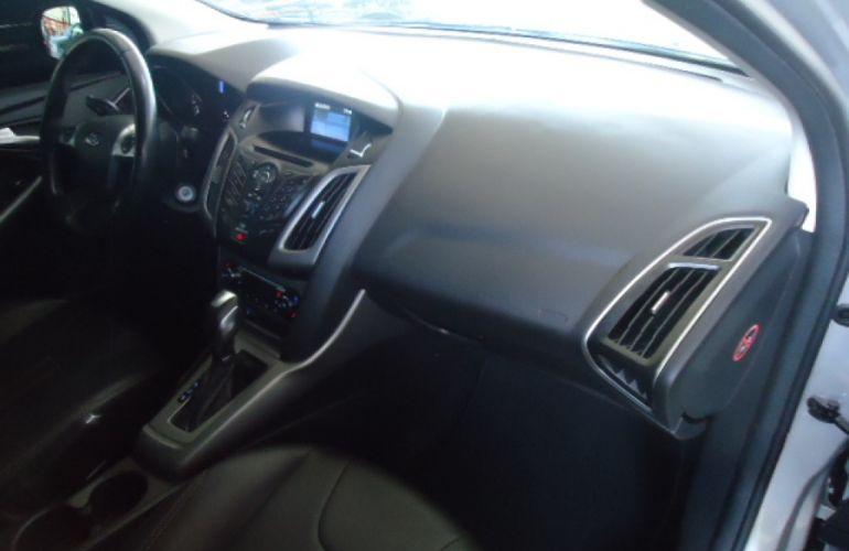Ford Focus Sedan SE Plus 2.0 16V PowerShift (Aut) - Foto #6