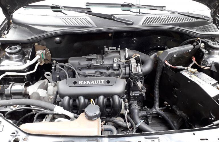 Renault Clio Hatch. RN 1.0 16V - Foto #1