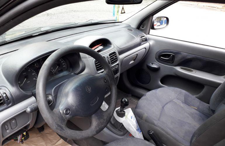 Renault Clio Hatch. RN 1.0 16V - Foto #2