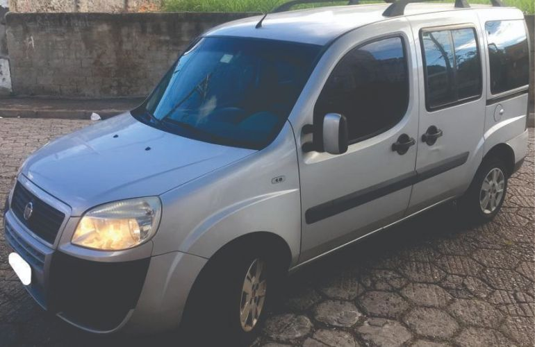 Fiat Doblò Essence 1.8 16V (Flex) - Foto #1