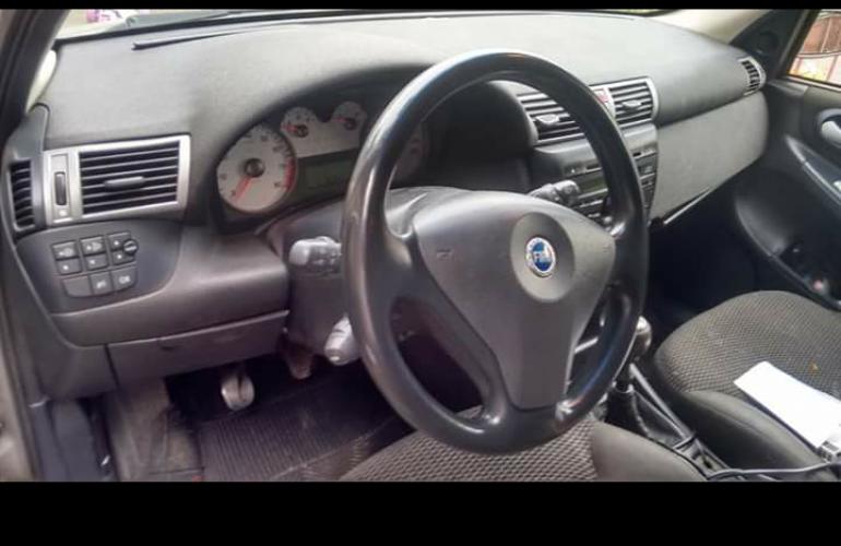 Fiat Stilo 1.8 8V (Flex) - Foto #2
