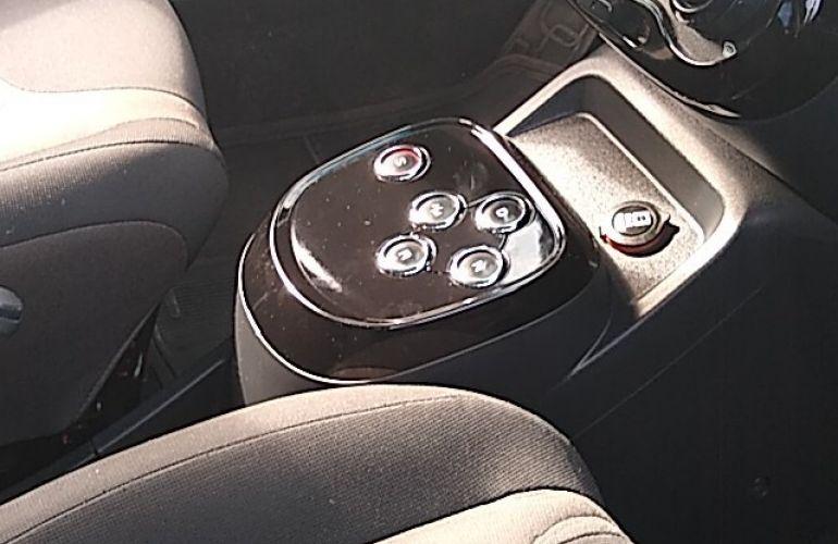 Fiat Uno Way 1.4 8V Dualogic (Flex) - Foto #1