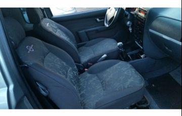 Fiat Strada Adventure 1.8 8V (Cabine Estendida) - Foto #5