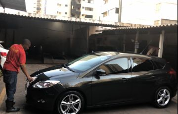 Ford Focus Hatch SE Plus 2.0 16V PowerShift