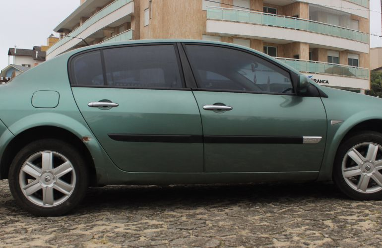 Renault Mégane Sedan Dynamique 2.0 16V - Foto #5