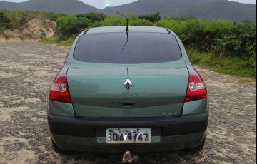 Renault Mégane Sedan Dynamique 2.0 16V - Foto #6