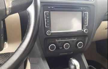Volkswagen Jetta 2.0 Comfortline (Flex) - Foto #6