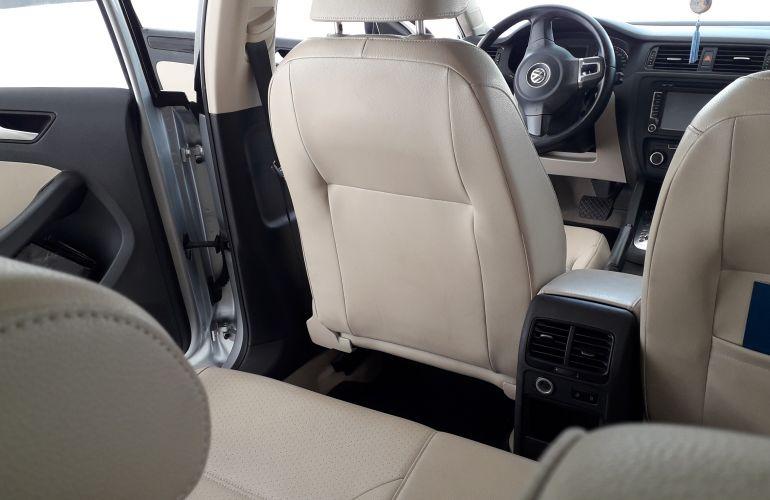 Volkswagen Jetta 2.0 Comfortline (Flex) - Foto #9