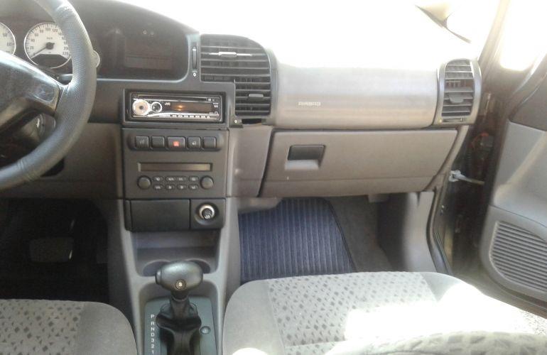 Chevrolet Zafira Elegance 2.0 (Flex) (Aut) - Foto #2