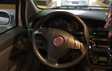 Fiat Linea Absolute 1.8 16V Dualogic (Flex) - Foto #6