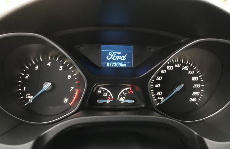 Ford Focus Fastback SE 2.0 PowerShift - Foto #8