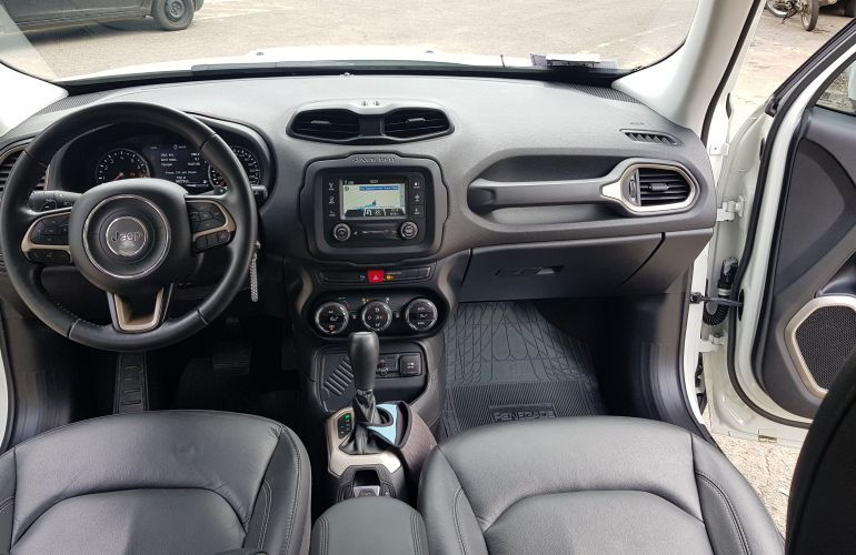 Jeep Renegade Longitude 1.8 (Aut) (Flex) - Foto #9