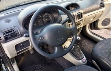 Renault Clio Hatch. Expression 1.0 16V - Foto #2