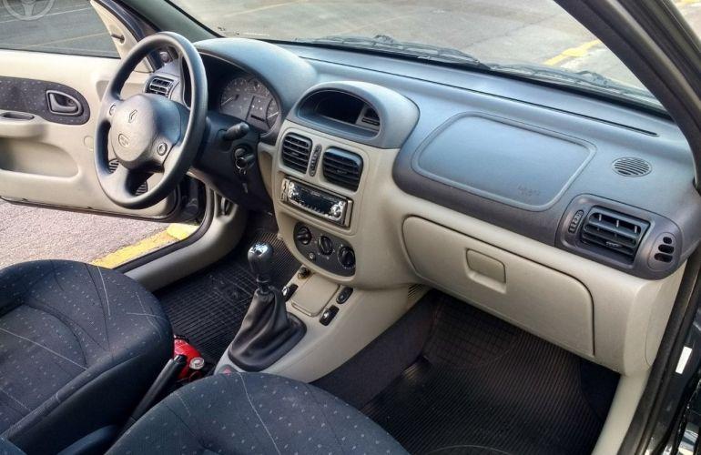 Renault Clio Hatch. Expression 1.0 16V - Foto #4