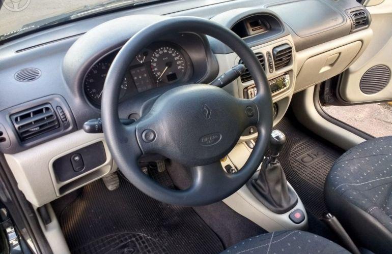 Renault Clio Hatch. Expression 1.0 16V - Foto #8
