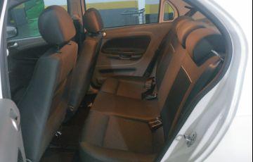 Volkswagen Voyage 1.0 MPI Comfortline (Flex) - Foto #2