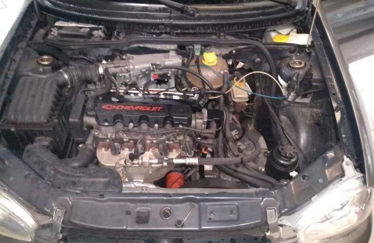 Chevrolet Corsa Sedan Classic 1.6 - Foto #6