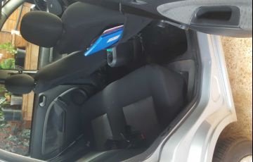 Ford Fiesta Sedan 1.0 Rocam (Flex) - Foto #3