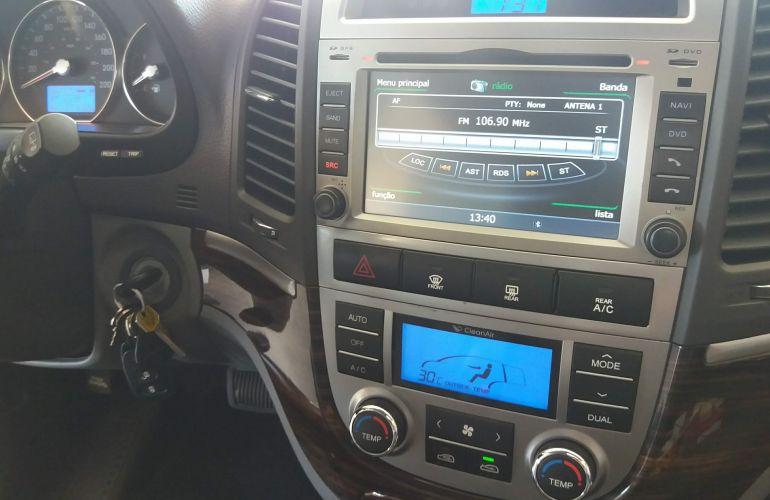 Hyundai Santa Fe GLS 3.5 V6 4x4 (7 lug) - Foto #7