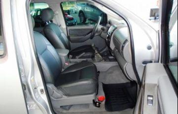 Nissan Frontier LE 4X4 Cabine Dupla 2.5 Turbo Eletronic - Foto #4