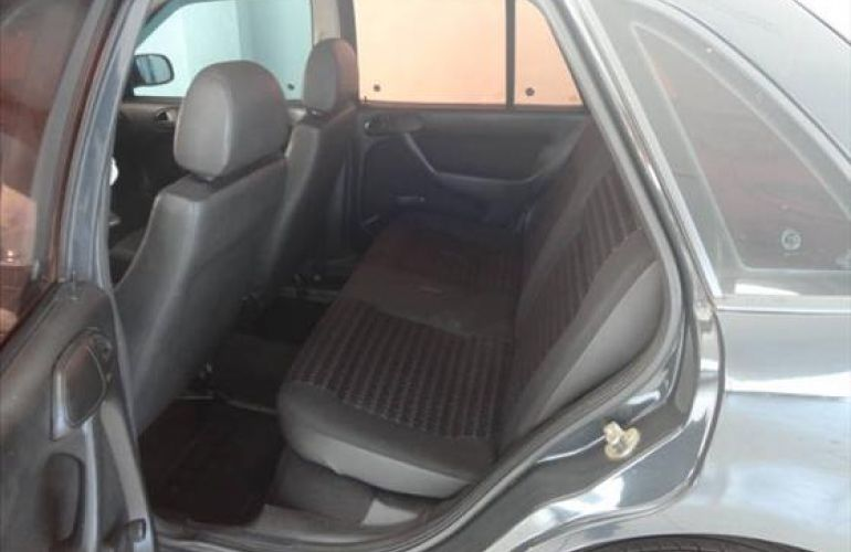 Volkswagen Gol City 1.0 8V (Álcool) - Foto #2