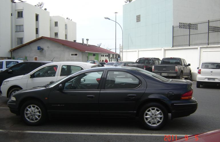 Chrysler Stratus Sedan LX 2.5 (aut) - Foto #7