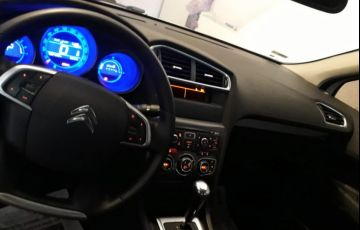 Citroën C4 Lounge Exclusive 2.0i (Aut) - Foto #5