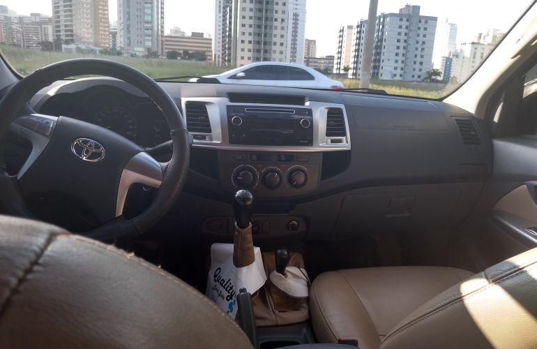 Toyota Hilux 3.0 TDI 4x4 CD SR - Foto #2