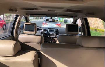 Toyota Hilux SW4 SRV 3.0 4X4 (7 Lugares) - Foto #1