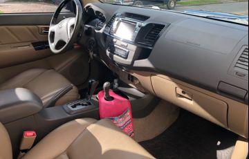 Toyota Hilux SW4 SRV 3.0 4X4 (7 Lugares) - Foto #5