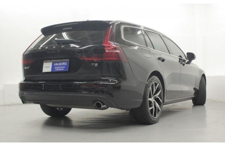 Volvo V60 2.0 T5 Drive-E Momentum - Foto #4