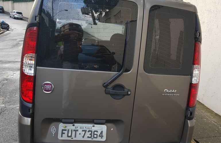 Fiat Doblò Attractive 1.4 8V (Flex) - Foto #4