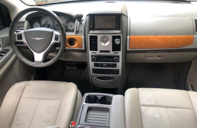 Chrysler Town & Country 3.8 V6 - Foto #8