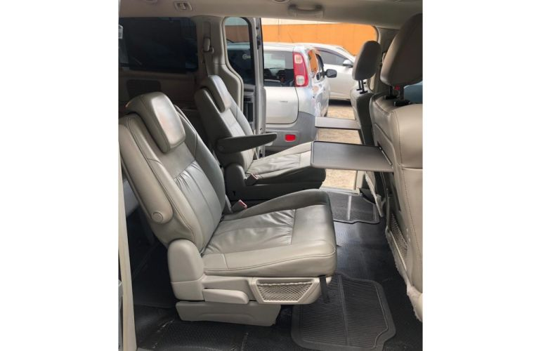 Chrysler Town & Country 3.8 V6 - Foto #10