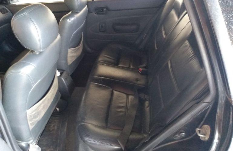 Toyota Corolla Sedan LE 1.8 16V - Foto #3