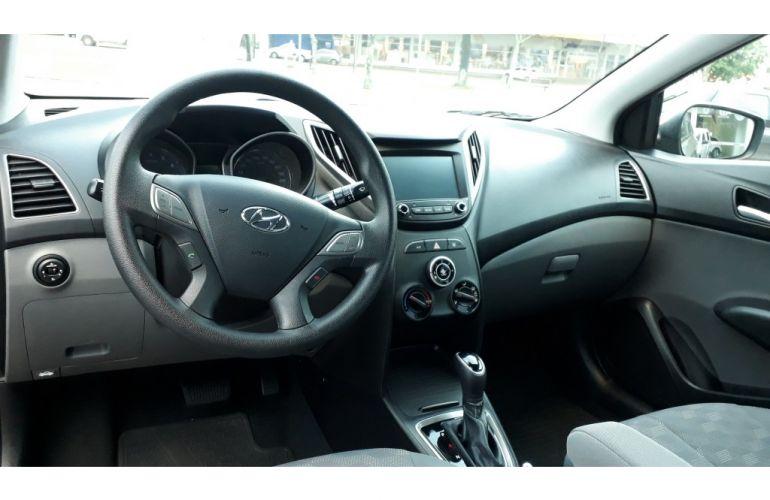 Hyundai HB20S 1.6 Comfort Plus (Aut) - Foto #4