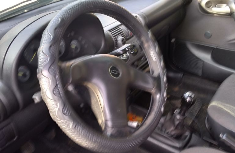 Chevrolet Corsa Sedan Classic Life 1.0 VHC (Flex) - Foto #1