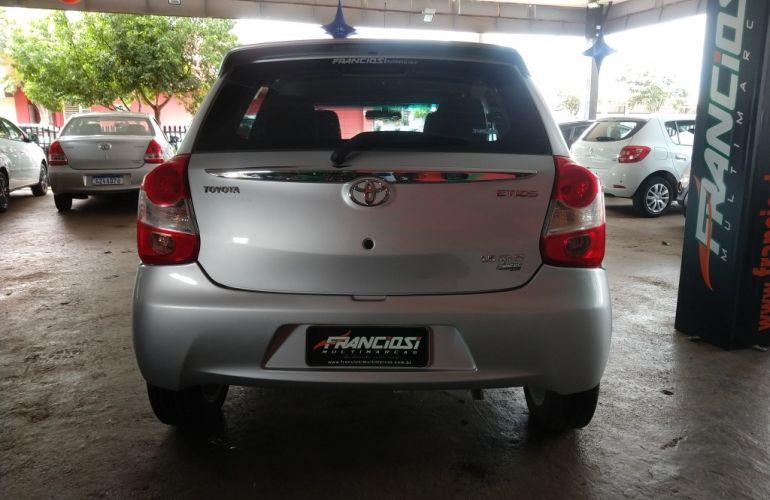 Toyota Etios XLS 1.5 (Flex) - Foto #4