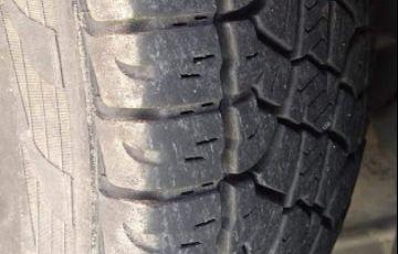 Jeep Cherokee Sport 3.7 V6 - Foto #9