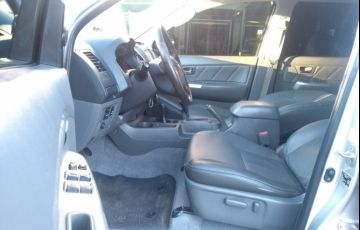 Toyota Hilux 3.0 TDI 4x4 CD SRV (Aut) - Foto #9