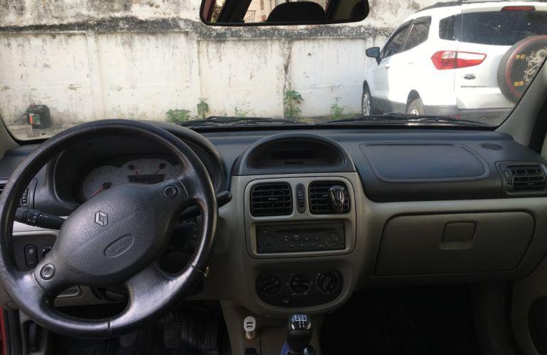 Renault Clio Sedan Privilége 1.6 16V - Foto #1