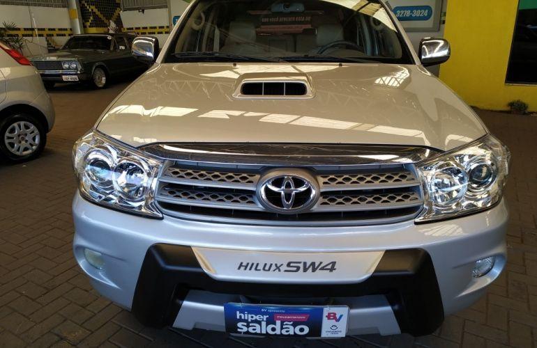 Toyota Hilux SW4 3.0 TDI 4x4 SRV 7L - Foto #3