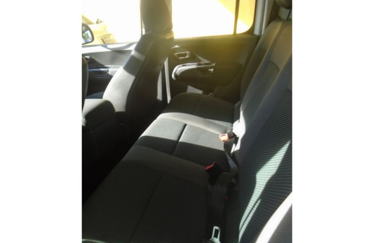 Volkswagen Amarok 2.0 SE 4x4 TDi (Cab Dupla) - Foto #5