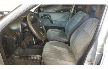 Chevrolet Corsa Sedan GL 1.6 MPFi - Foto #8