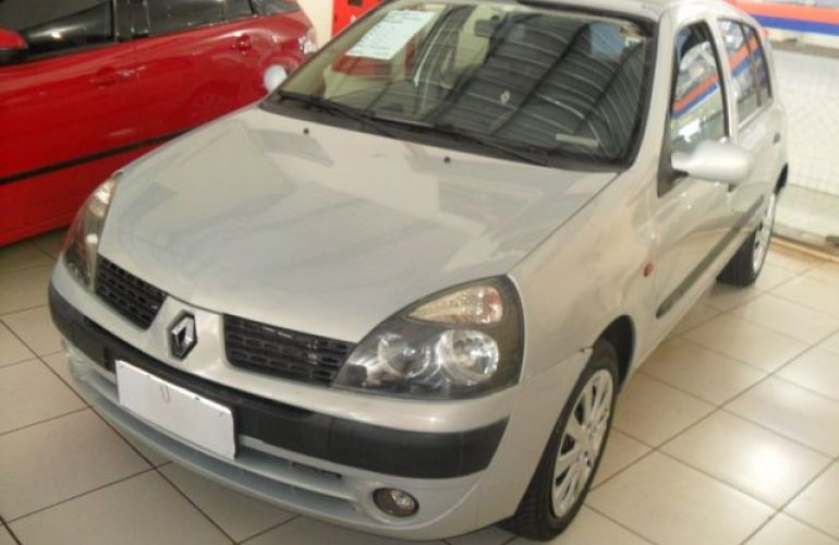 Renault Clio Privilége 1.6 16V - Foto #2